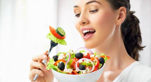 Avocado voedingsstoffen - salade met avocado