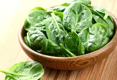 Spinazie eten na de bevalling - zwangerschap - gezond10