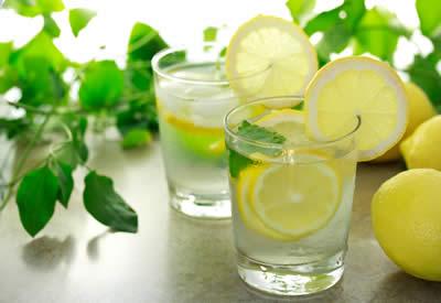 Water met citroen - lemon - gezond10